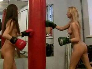 boxing nude girls ...