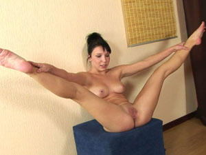 Suggest you Nude babes doing splits remarkable